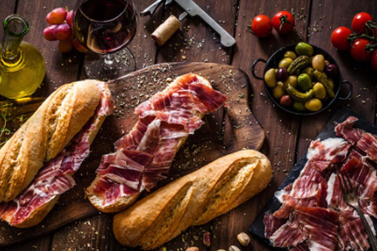 ¿Cuáles son los beneficios de comer jamón ibérico?